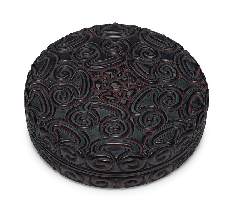 A large black tixi lacquer circular box and cover, Ming dynasty (1368-1644)
