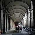 Barcelone, place Reial, les arcades (Espagne)