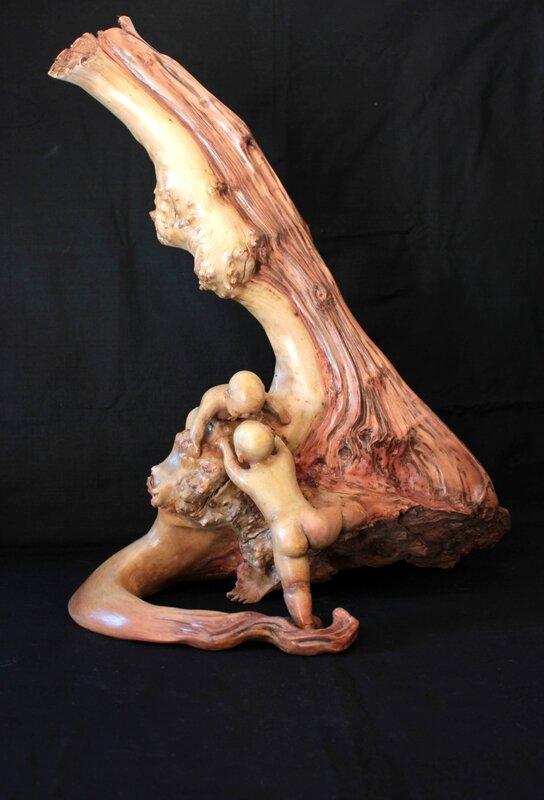 sculpture bois d'olivier et argile autodurcissante patinée, hauteur : 44 cm