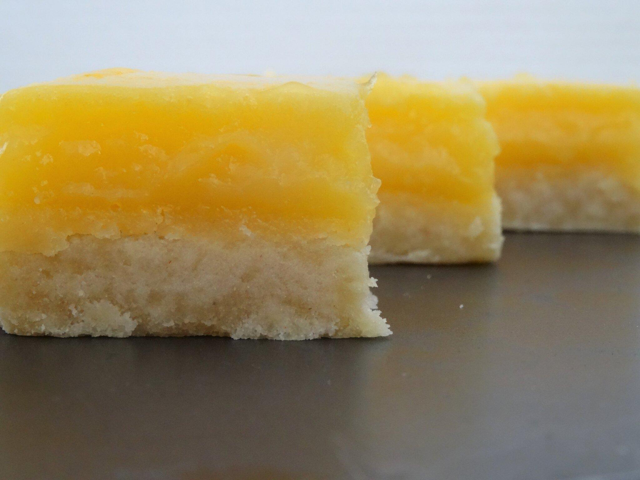 Carrés au Citron et Fruits de la passion [ Gourmandises acidulées ]
