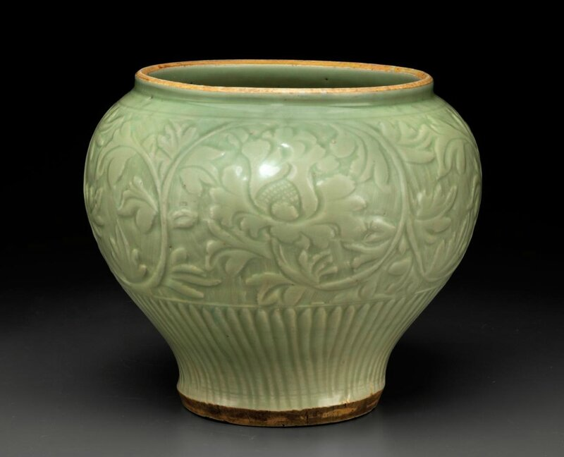 A large Longquan celadon jar, Yuan-Early Ming dynasty, 14th century