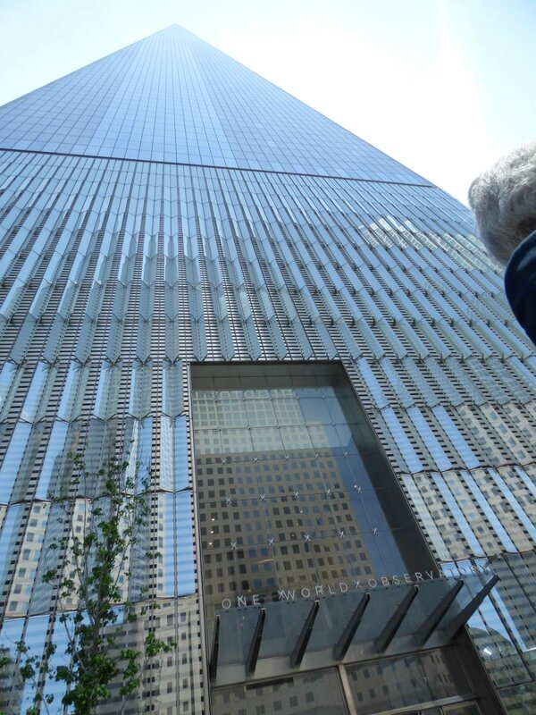 au pied de la One World Trade Center