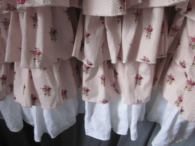 Robe champêtre en lin blanc et coton fleuri rose (7)