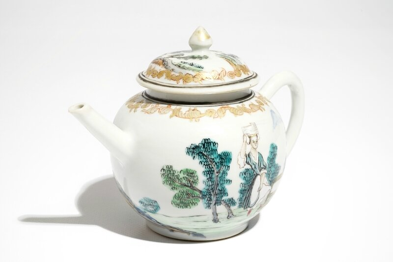 a-chinese-famille-rose-teapot-and-cover-with-erotical-design-qianlong-7
