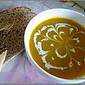 Soupe de potimarron et châtaignes et huile de noix