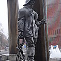 Bruges, sculpture-fontaine, détail 8