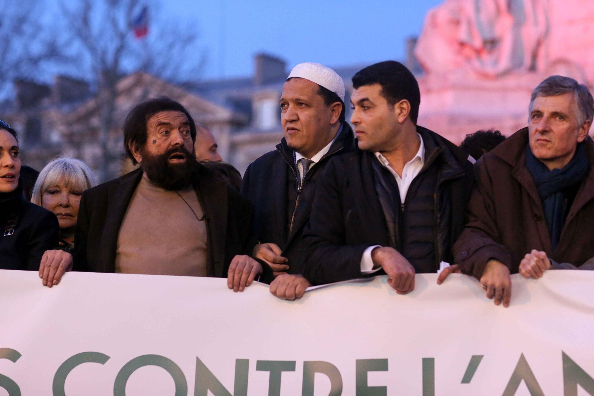 Non à l'antisémitisme : des milliers de personnes place de la République. © Michel Stoupak. Mar 19.02.2019, 18h39m17.