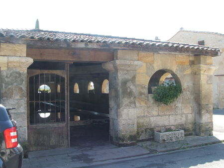 Bourg_sur_Gironde_1