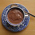 Mousse au chocolat noir (au tofu soyeux)