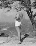 1951_JR_Eyerman_marilyn_tree_020_010