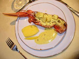 homards grillés à la mangue et au poivre vert