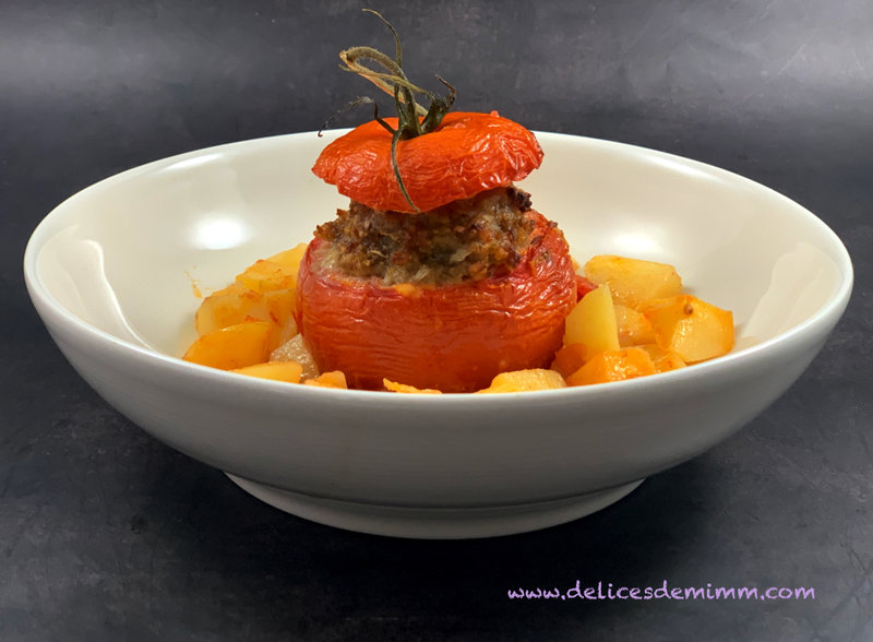 Tomates farcies sur lit de pommes de terre 4