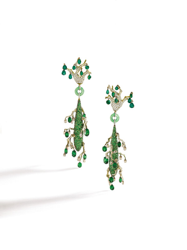 Lot1736_Gem Set, Jade and Diamond Pendent Earrings_011HK0817