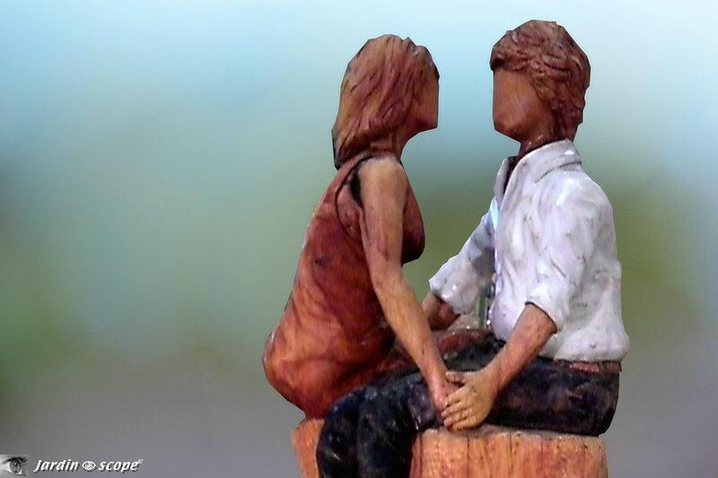 Les amoureux, seuls au monde