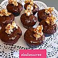 Cupcakes au chocolat, coulis de caramel au poivre du Sichuan 100