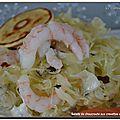 Salade de choucroute aux crevettes et saumon fumé