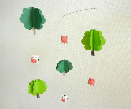 decoration-pour-enfants-mobile-vaches-et-cochons-1573729-p1020450b-ea9b3_big
