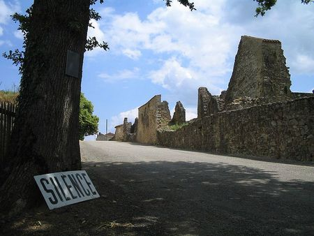 -Oradour-sur-Glane-Entrance-1361