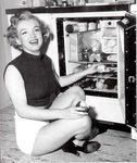 1951_Marilyn_Home01_Fridge010
