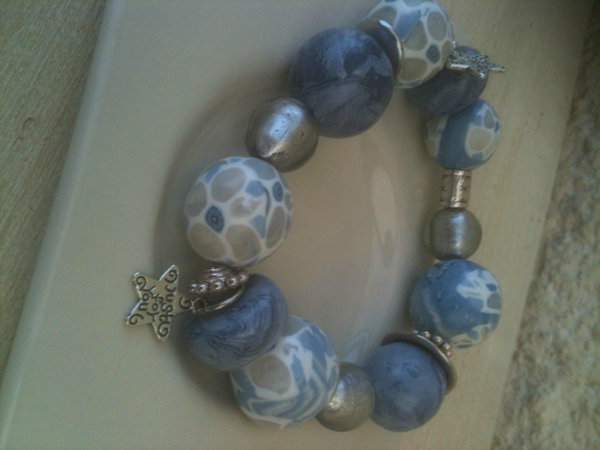 bracelet bleu blanc