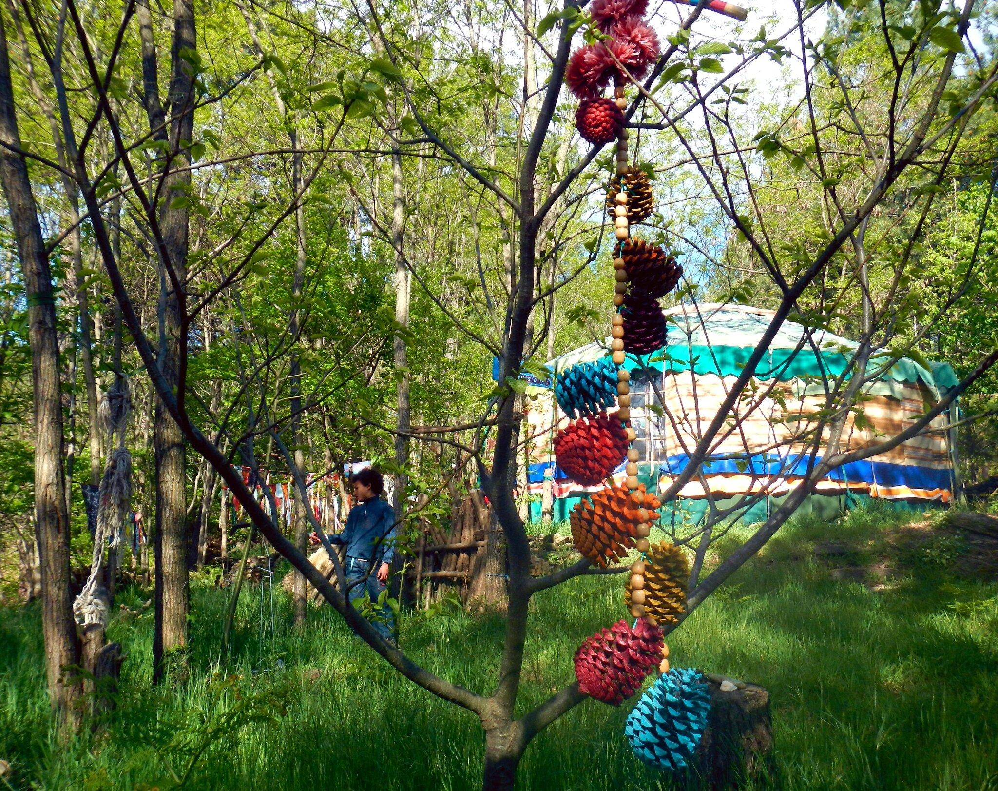 liane de pomme de pins de couleur yurtao