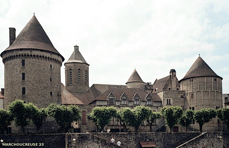 Bourganeuf-chateau