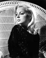 Wicker_sitting_inspiration-virna_lisi-1