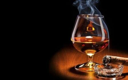 101673__glass-of-cognac_p