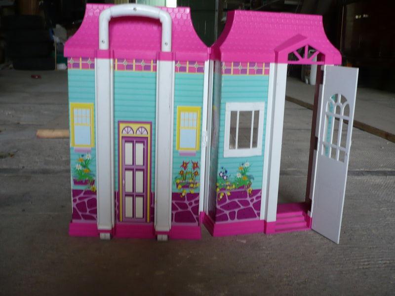 maison barbie valise segu maison. Black Bedroom Furniture Sets. Home Design Ideas