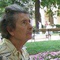 Elle attendait sa copine (2)... - Palais St Pierre - Lyon - Juillet 2006