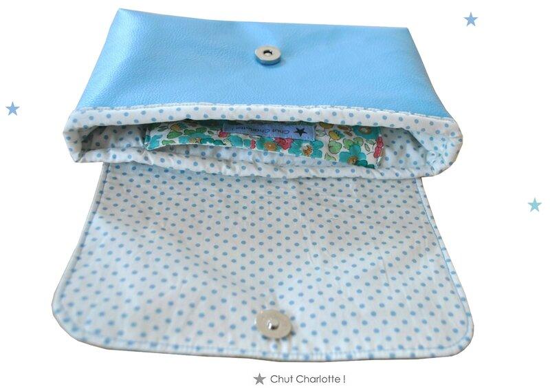 Pochette Ipad bleu Chut Charlotte (2)