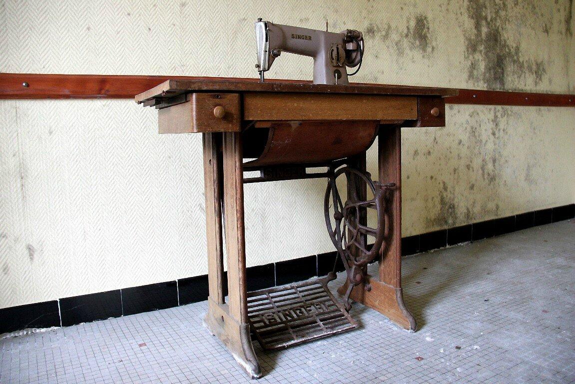 Bretagne, Sanatorium (machine à coudre)_6082