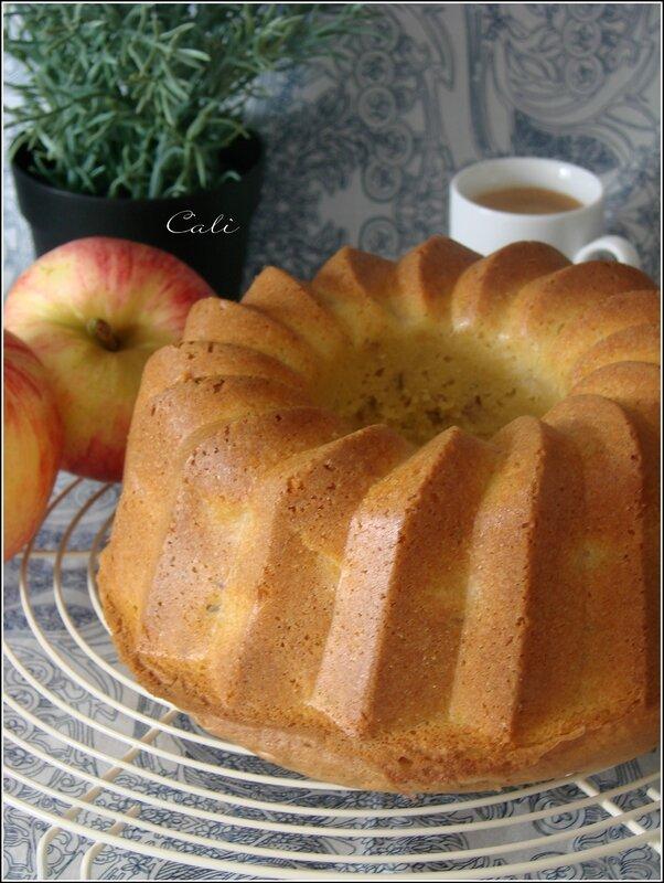 Bundt Cake aux Pommes, à l'Huile d'Olive & à la Lavande 001