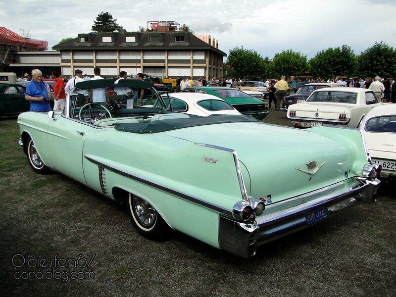 cadillac-62-convertible-1957-02