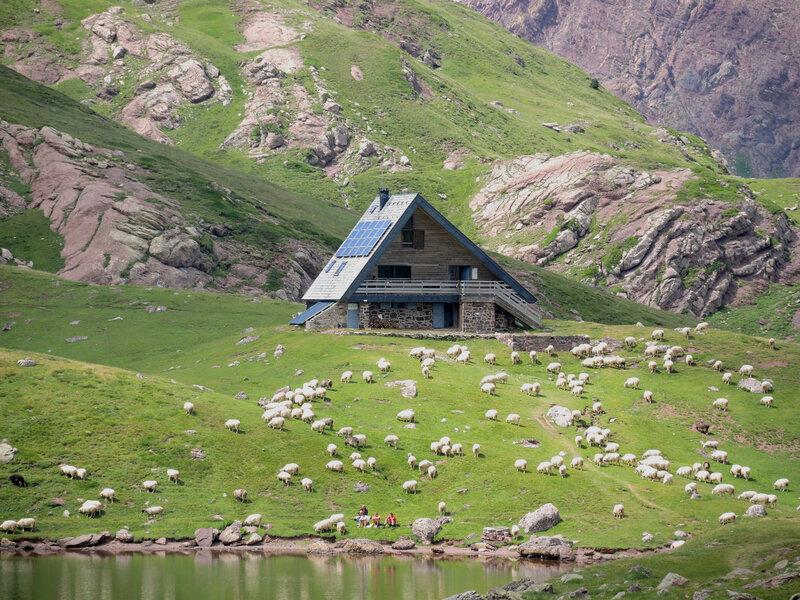 Lac d'Arlet, refuge (64)