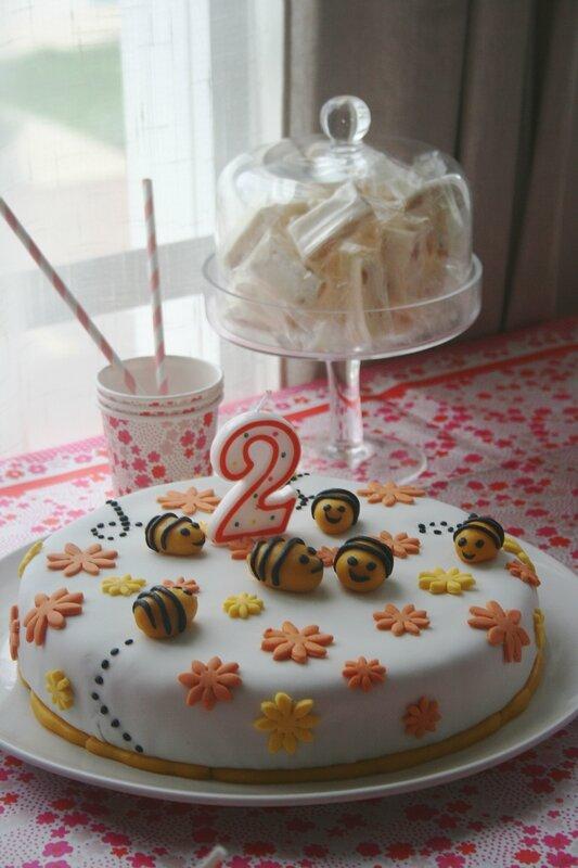 gâteau abeille - bee cake design 1