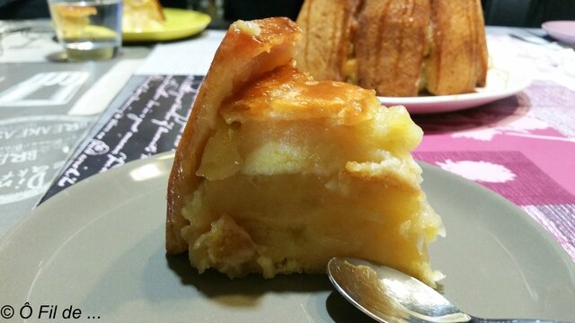 Charlotte aux pommes et son caramel au beurre salé (3)