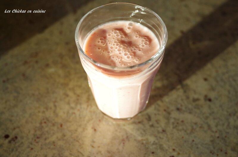 Smoothie yaourt grec-banane-fraise-pamplemousse (3)
