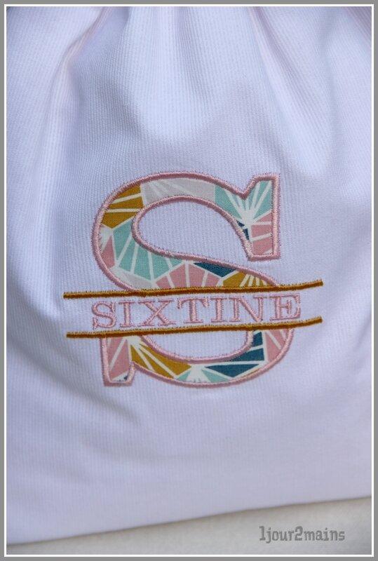 initiale S