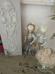 06 petits personnages et plaque gustavienne