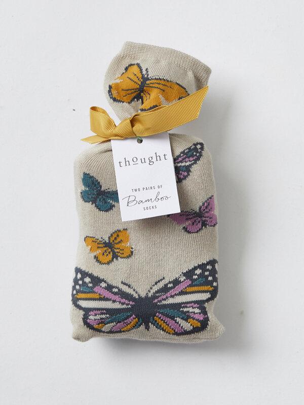 SBW4112-BUTTERFLIES--butterfly-socks-in-a-bag-1