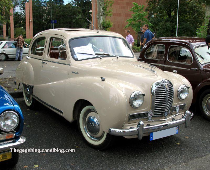 Austin A40 somerset saloon de 1954 (Retrorencard aout 2011) 01