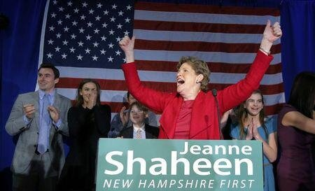2014-11-05T060738Z_1_LYNXMPEAA408H_RTROPTP_2_USA-ELECTIONS-NEWHAMPSHIRE