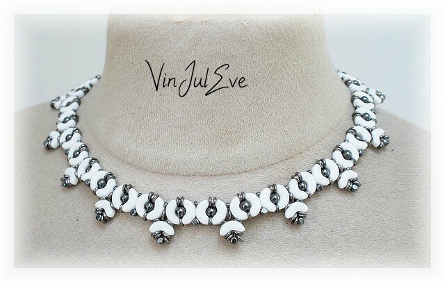 collier Swindon blanc hematite