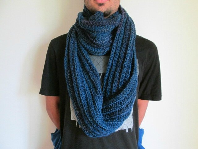 Snood Mr Mars (5)