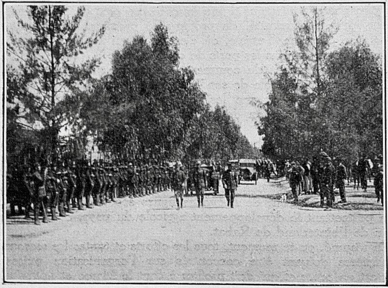 Revue-d-adieu-du-general-de-la-bruyereFrance-Maroc_General-de-la-bruyere-défilé-mai-1922