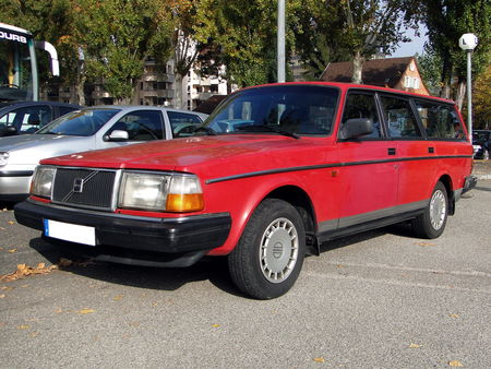 VOLVO 240 GL Break Retrorencard 1