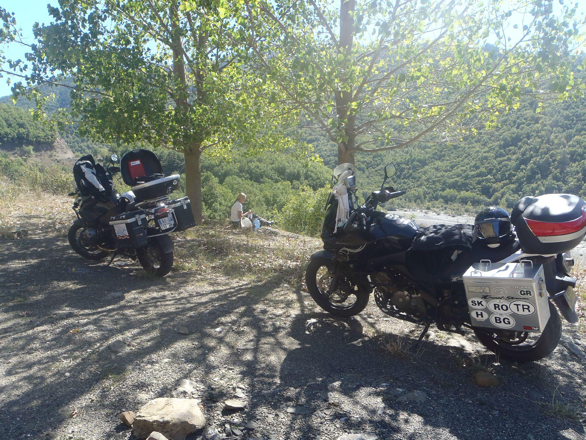grèce proche macédoine route de montagne fréquenté par des motards