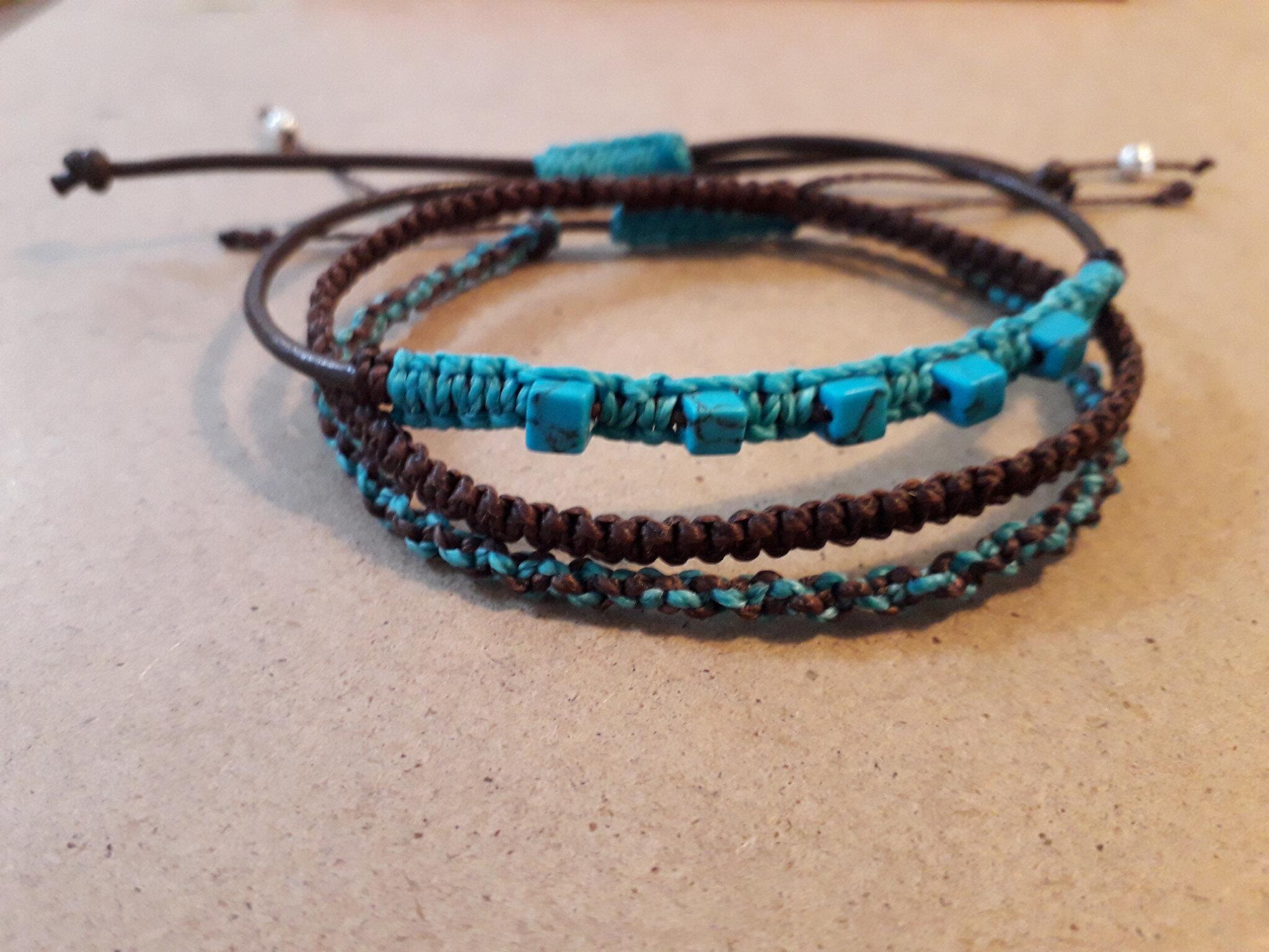 Lot de 3 bracelets macramé et perles de howlite