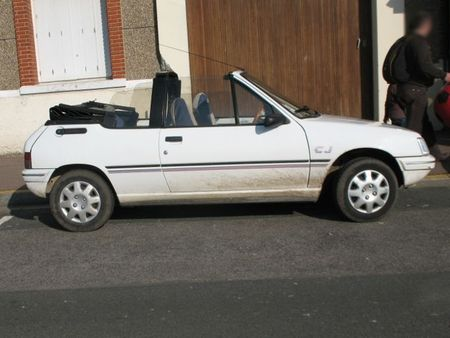 Peugeot205CJprof